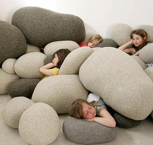 Έξυπνα μοντέρνα κρεβάτια για διακόσμηση μικρών δωματίων