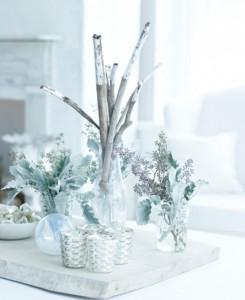 Χριστουγεννιάτικη διακόσμηση σε λευκό και ασημί
