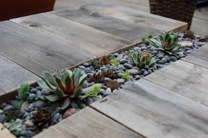 dyi τραπεζάκι με ενσωματωμένο διαμέρισμα για φυτά