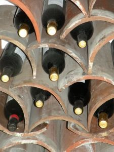 Diy κατασκευές με ράφια για κρασιά4