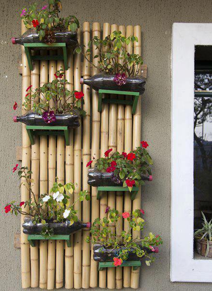 Οικολογικά και φιλικά σπίτια κατασκευασμένα μέσα στη γη από τη Vetsch Architektur