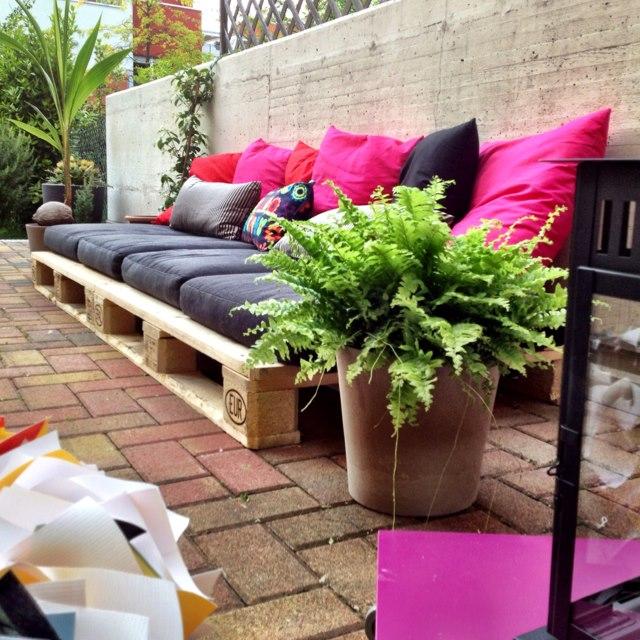 Καναπές εξωτερικού χώρου από παλέτες