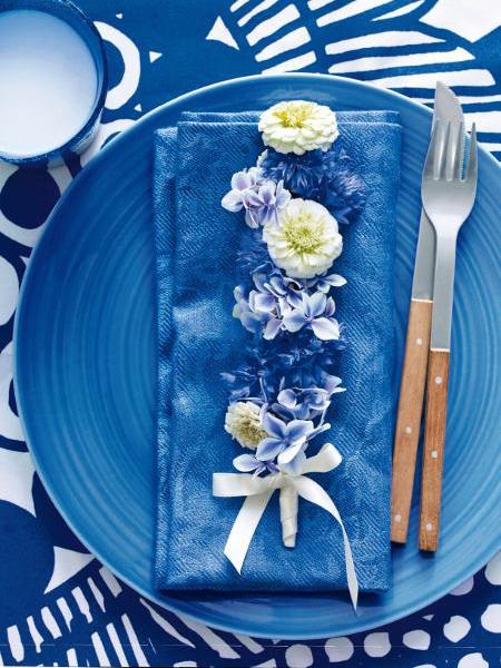 Διακόσμηση με μπλε λουλούδια7