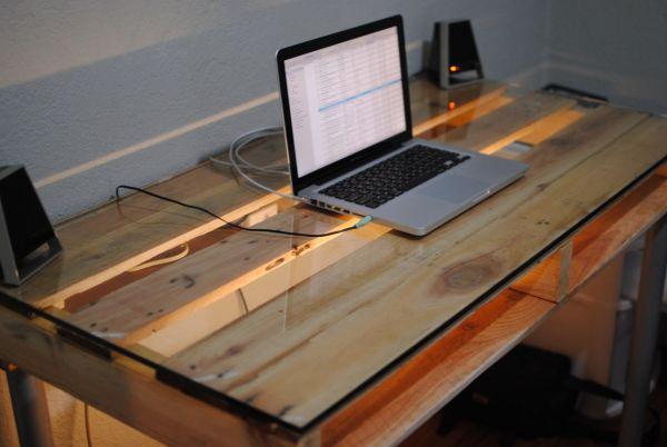 DIY γραφεία από παλέτες13