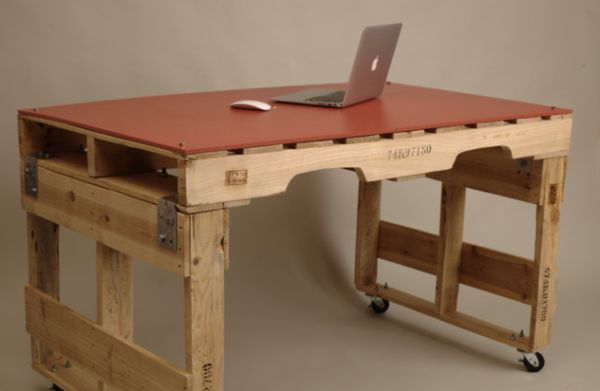 DIY γραφεία από παλέτες17