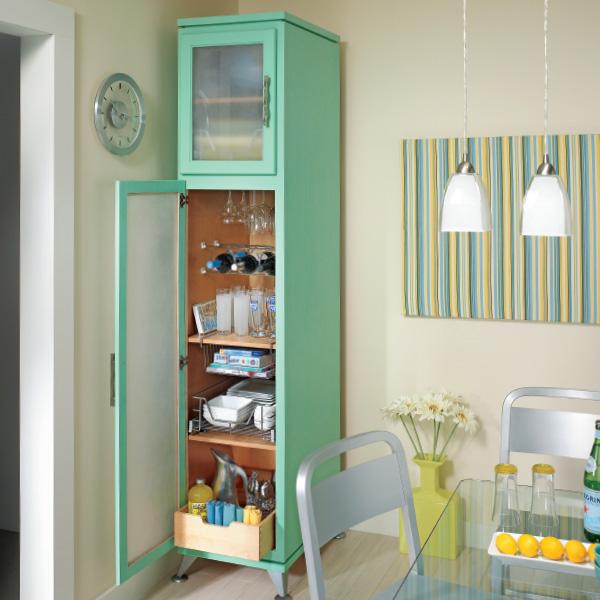 Κομψές λύσεις αποθήκευσης ντουλαπιών κουζίνας