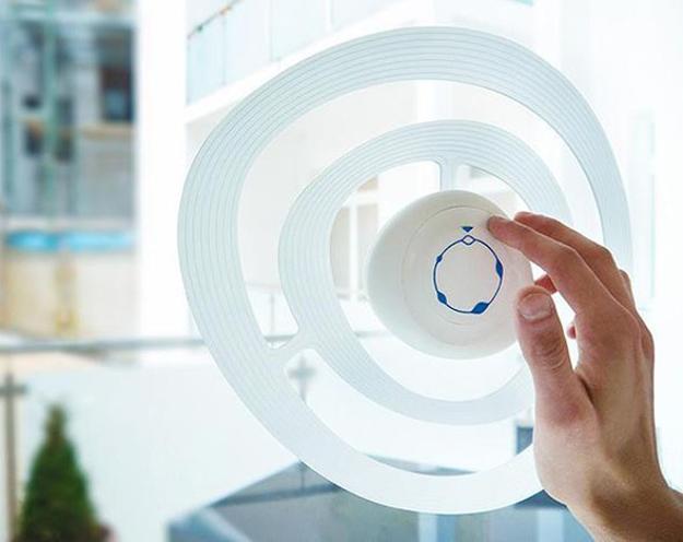 Εκπληκτική συσκευή φιλτραρίσματος και μπλοκαρίσματος θορύβου για παράθυρα, που κάνει μοντέρνους εσωτερικούς χώρους ήσυχους και γαλήνιους.