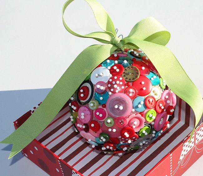 Πρωτότυπα DIY Χριστουγεννιάτικα Στολίδια με κουμπιά2