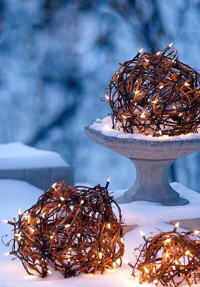Χριστουγεννιάτικες ιδέες διακόσμησης με εξωτερικά φωτάκια