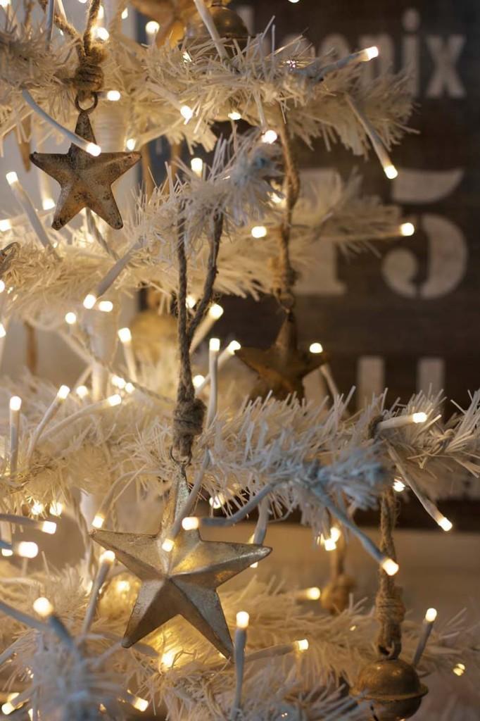 Χριστουγεννιάτικες ιδέες διακόσμησης με εξωτερικά φωτάκια3