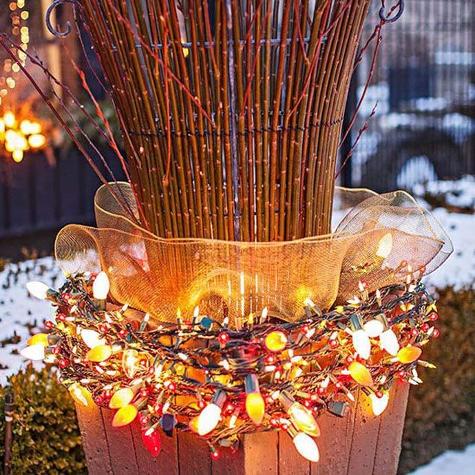 Χριστουγεννιάτικες ιδέες διακόσμησης με εξωτερικά φωτάκια9