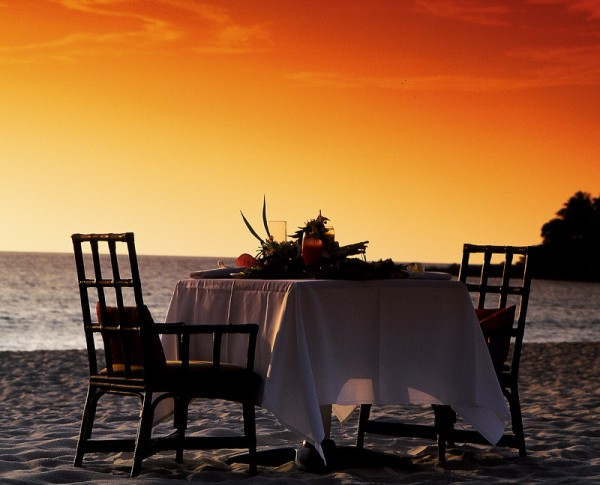 ιδέες για ρομαντικό Τραπέζι σε εξωτερικό χώρο22