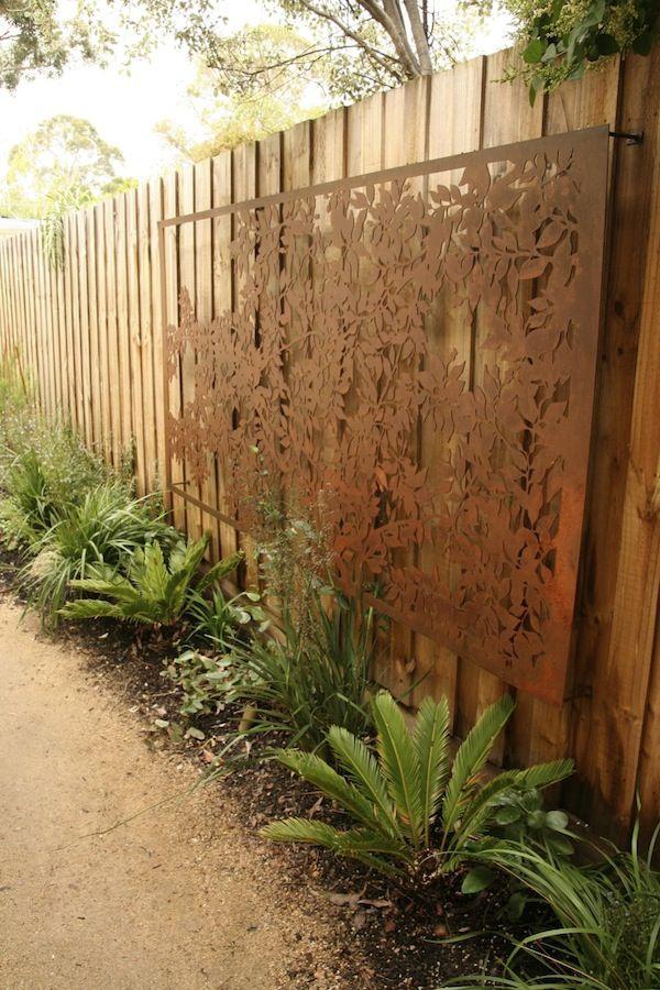 DIY WallArt Ιδέες για τον φράχτη του Κήπου σας3