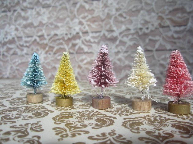 Επιτραπέζια χριστουγεννιάτικα δέντρα15
