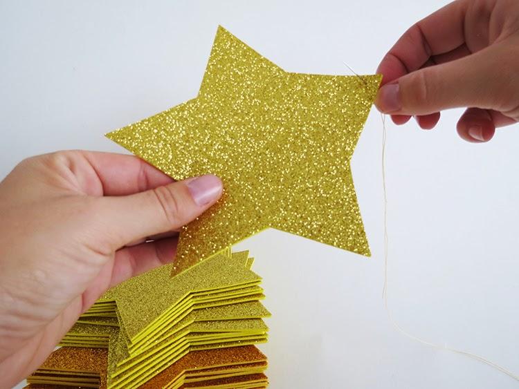 DIY Χριστουγεννιάτικο δέντρο με αστέρια 4