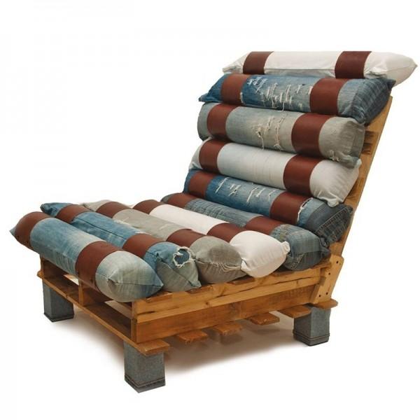 Πολυθρόνα κατασκευασμένη από παλέτες και τζιν