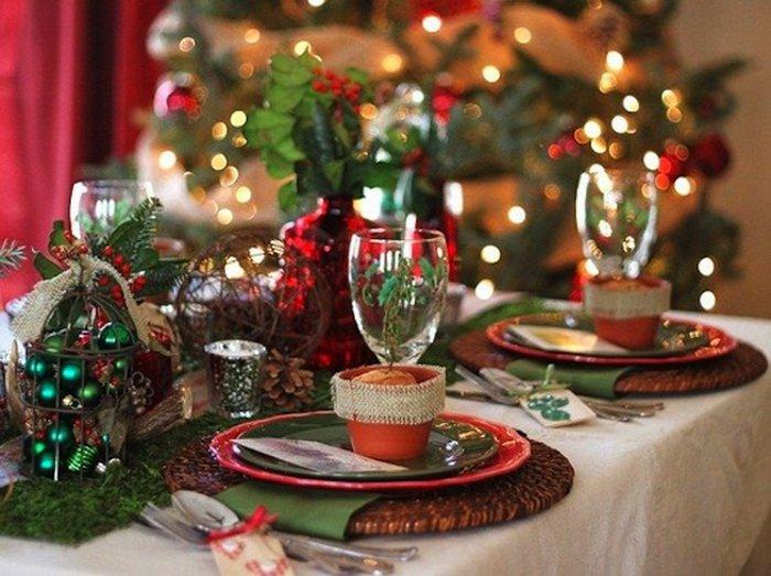 Έξοχες διακοσμήσεις Χριστουγεννιάτικων τραπεζιών που θα σας καταπλήξουν