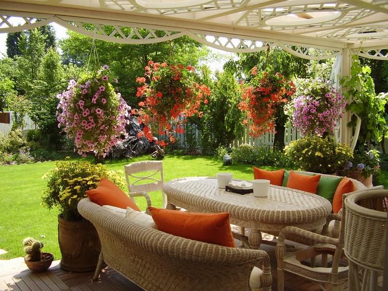 Ανοιξιάτικη ανακαίνιση κήπου ιδέες51