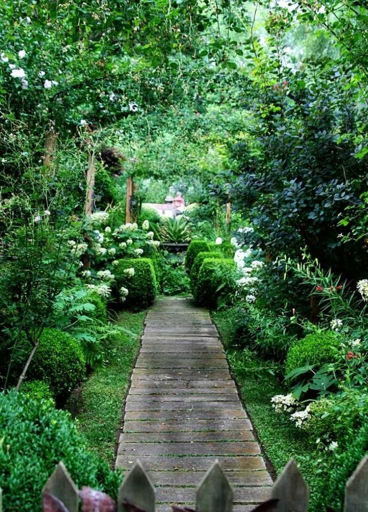 ιδέες με ξύλινα μονοπάτια κήπου16