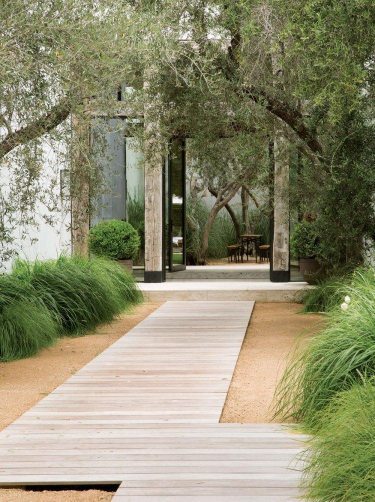ιδέες με ξύλινα μονοπάτια κήπου18