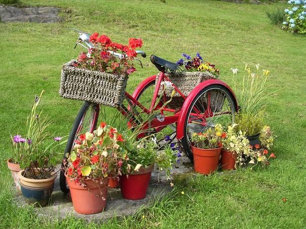 διακόσμηση κήπου με ποδήλατα1