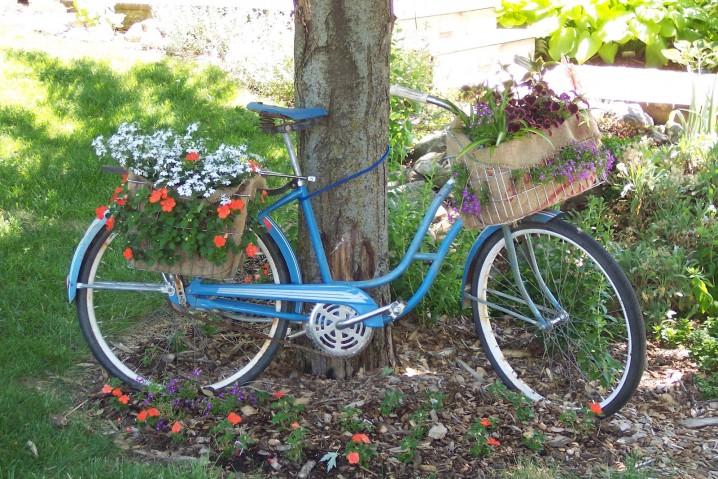 διακόσμηση κήπου με ποδήλατα10
