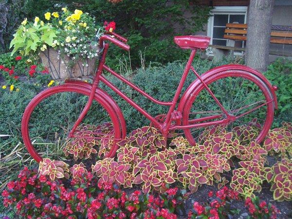 διακόσμηση κήπου με ποδήλατα11