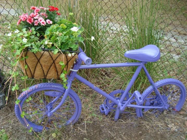 διακόσμηση κήπου με ποδήλατα12