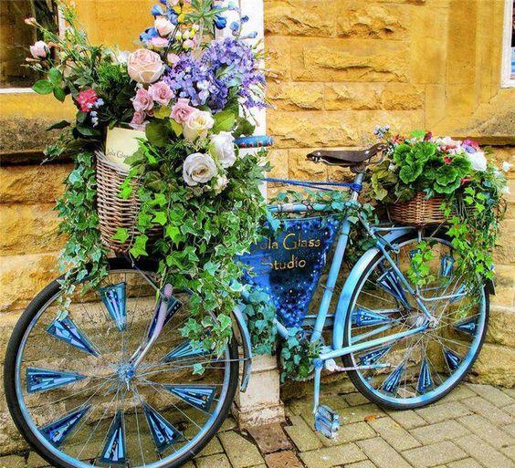 διακόσμηση κήπου με ποδήλατα17