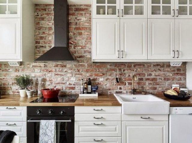 ιδέες με πέτρες, τούβλα και βότσαλα για τοίχους κουζίνας23