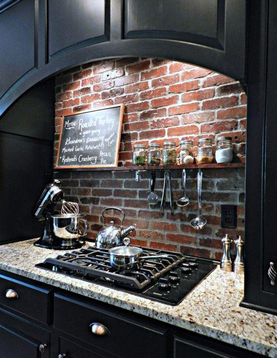 ιδέες με πέτρες, τούβλα και βότσαλα για τοίχους κουζίνας26