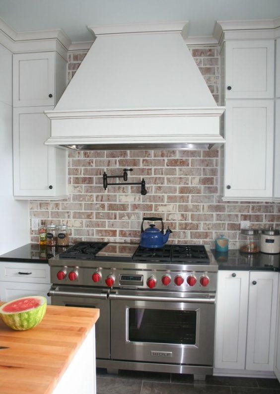 ιδέες με πέτρες, τούβλα και βότσαλα για τοίχους κουζίνας38