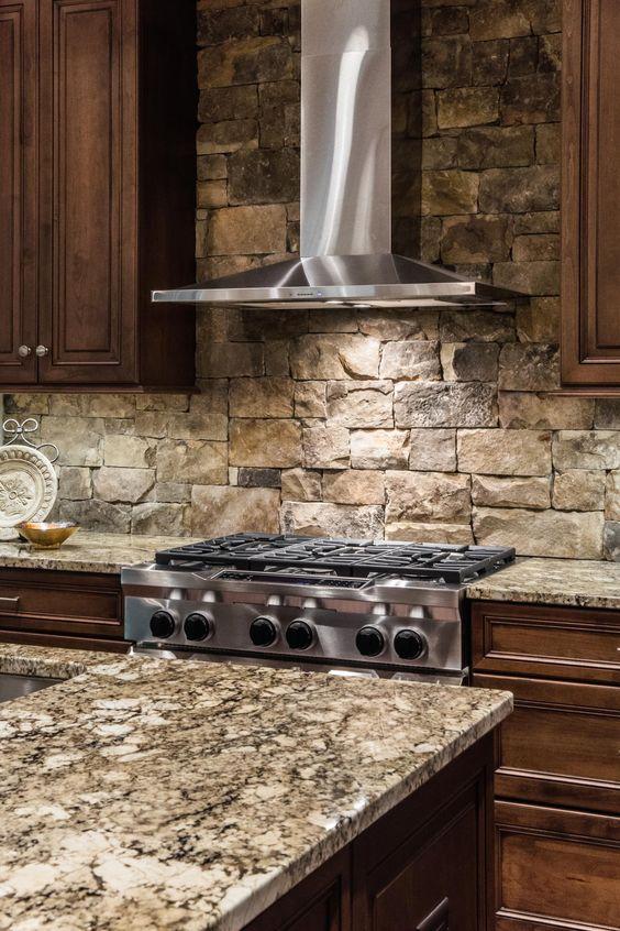 ιδέες με πέτρες, τούβλα και βότσαλα για τοίχους κουζίνας42