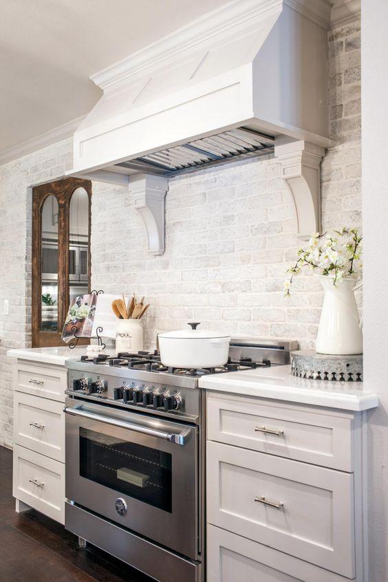 ιδέες με πέτρες, τούβλα και βότσαλα για τοίχους κουζίνας44