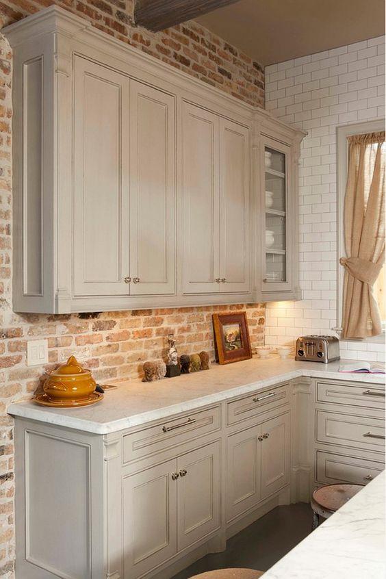 ιδέες με πέτρες, τούβλα και βότσαλα για τοίχους κουζίνας49