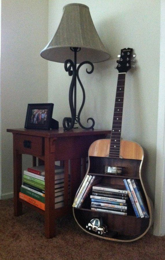παλιές κιθάρες στη διακόσμηση του σπιτιού4