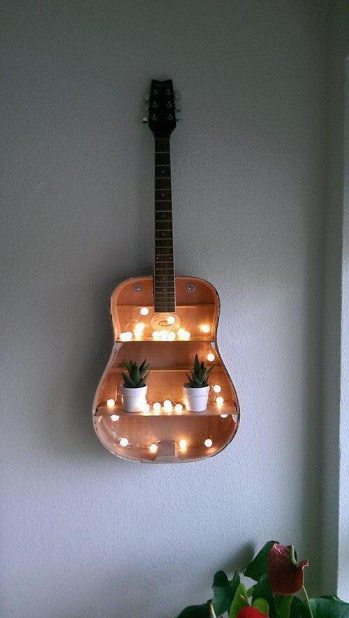 παλιές κιθάρες στη διακόσμηση του σπιτιού9