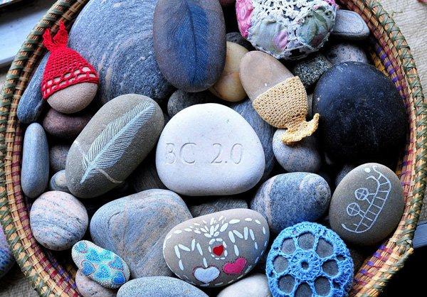 DIY ιδέες διακόσμησης με βαμμένες πέτρες και βότσαλα10