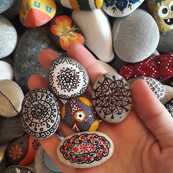 DIY ιδέες διακόσμησης με βαμμένες πέτρες και βότσαλα20