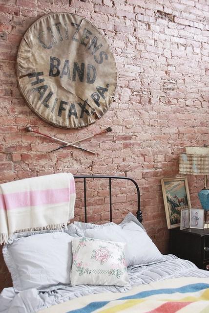 Ιδέες διακόσμησης για ένα τοίχο από τούβλα22