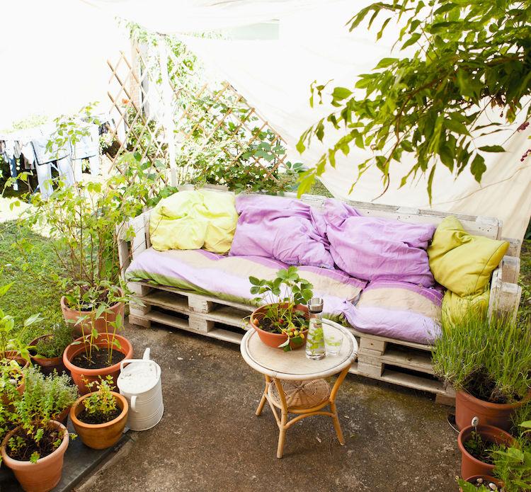 έπιπλα κήπου από παλέτες4