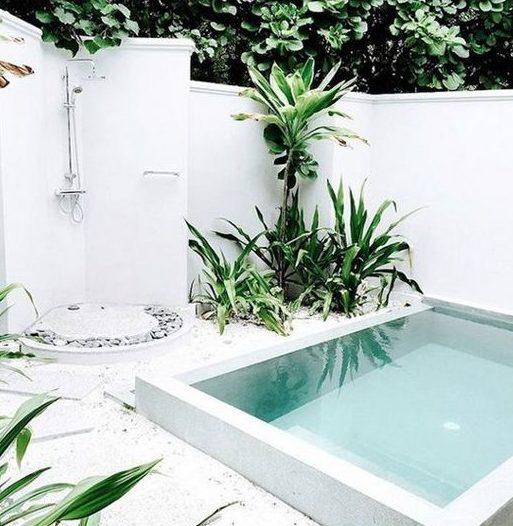 μικρή πισίνα στον κήπο10
