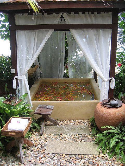 μικρή πισίνα στον κήπο25