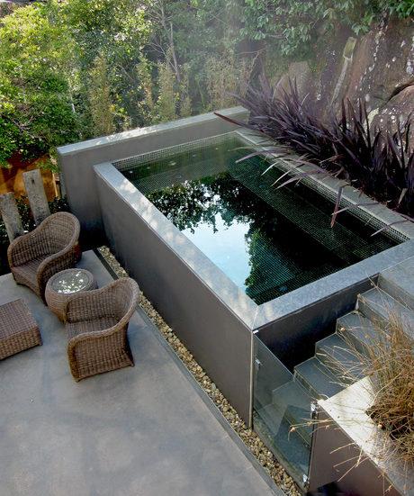 μικρή πισίνα στον κήπο3