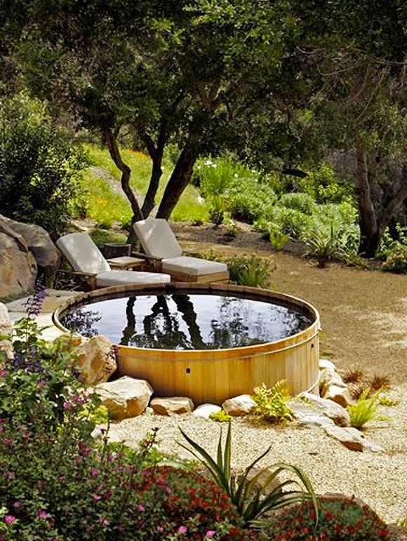 μικρή πισίνα στον κήπο9