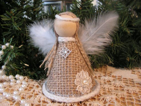 Χριστουγεννιάτικα στολίδια από λινάτσα40