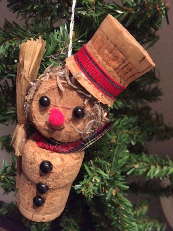 Χριστουγεννιάτικες διακοσμήσεις από πώματα φελλού4