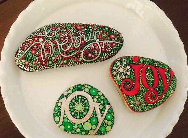 Χριστουγεννιάτικη ζωγραφική σε πέτρες και βότσαλα5