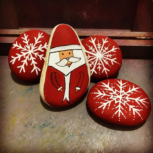 Χριστουγεννιάτικη ζωγραφική σε πέτρες και βότσαλα50