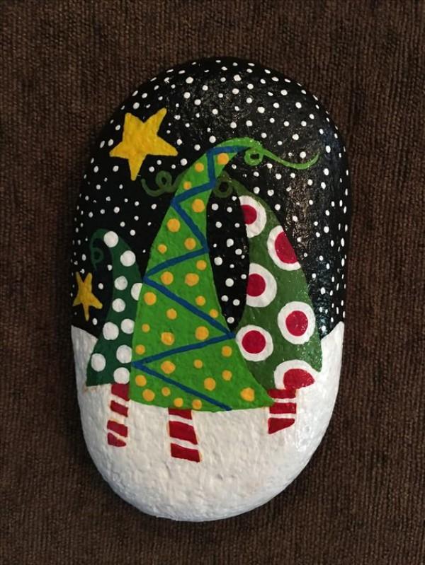 Χριστουγεννιάτικη ζωγραφική σε πέτρες και βότσαλα59